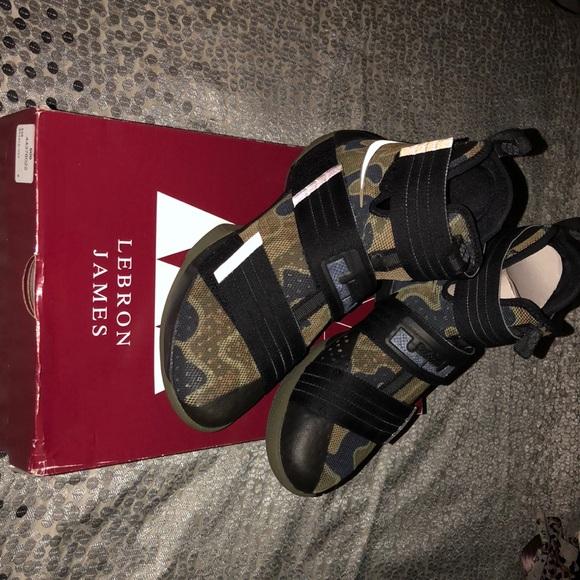 c4d70fe1d6da Nike Lebron James Soldier 10 SFG. M 5b73945b129955fc374893f5